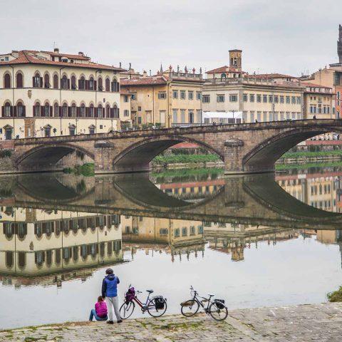 Puente de la Carraia en Florencia