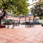Fotografía corporativa patio interior en La Seu