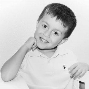 Fotos de niños en estudio y exterior